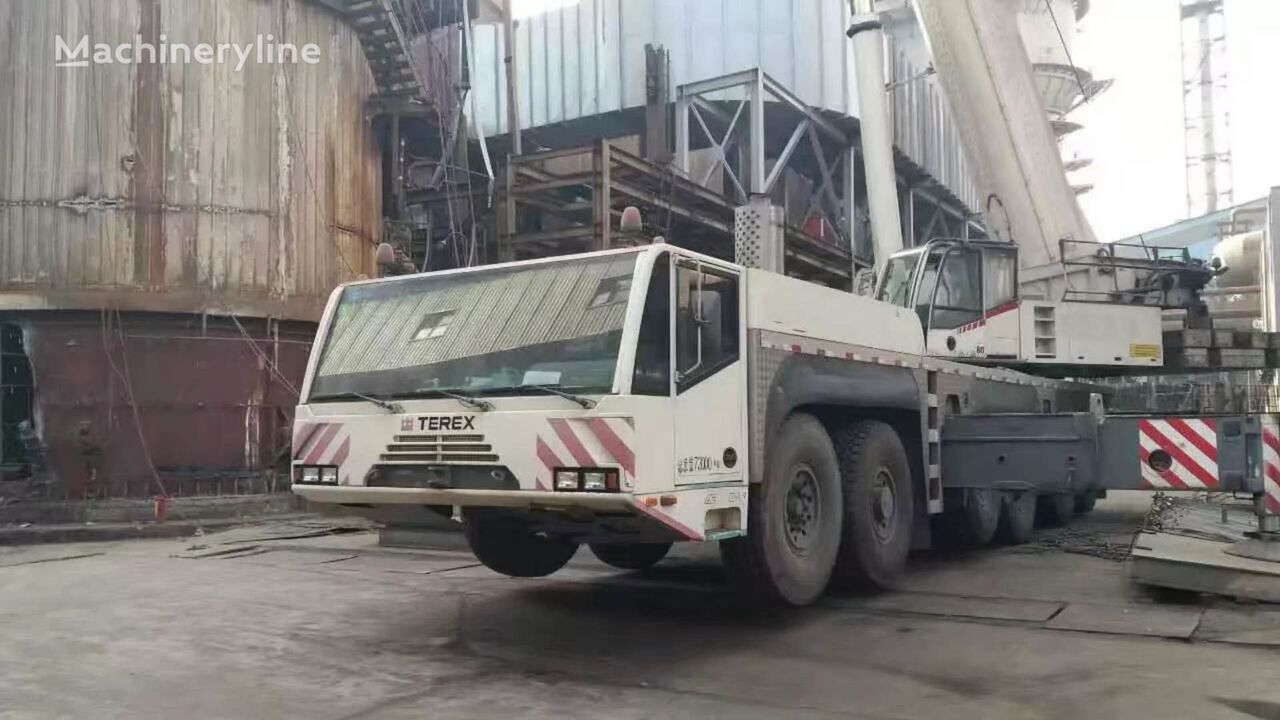 AC250 on chassis DEMAG AC250 mobile crane