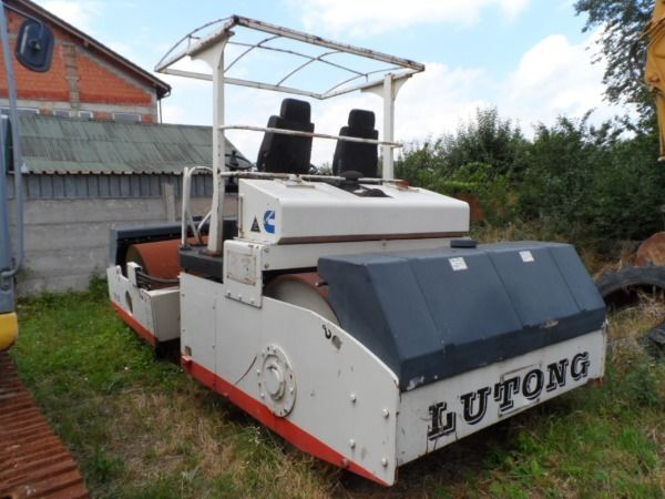 LUTONG YXC 12G road roller