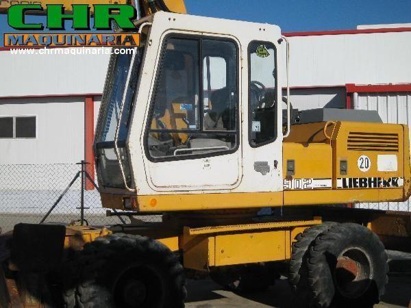 LIEBHERR 902 wheel excavator