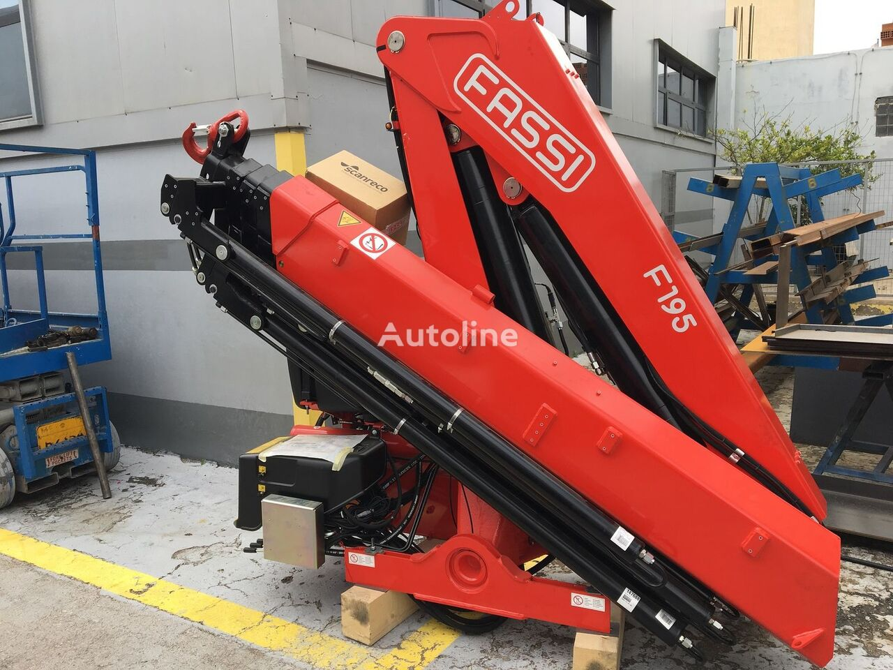 new FASSI F195A.0.25 e-active loader crane