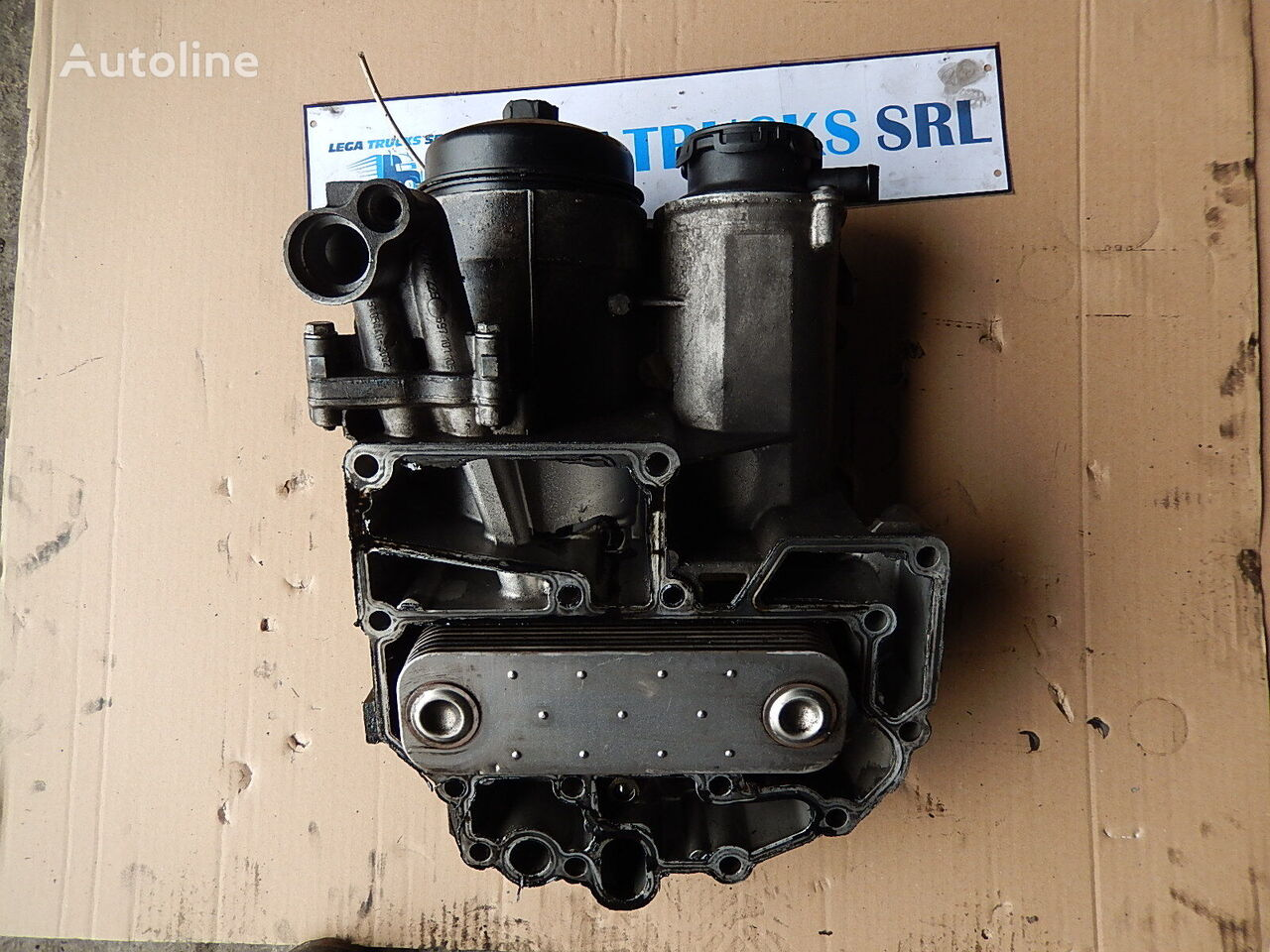 MAN Carcasa termoflot cu radiator racitor ulei engine oil cooler for MAN TGA TGX tractor unit