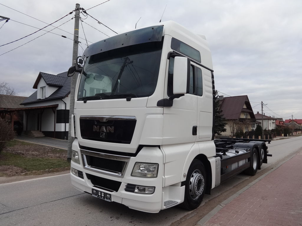 MAN TGX 26.440 BDF container chassis