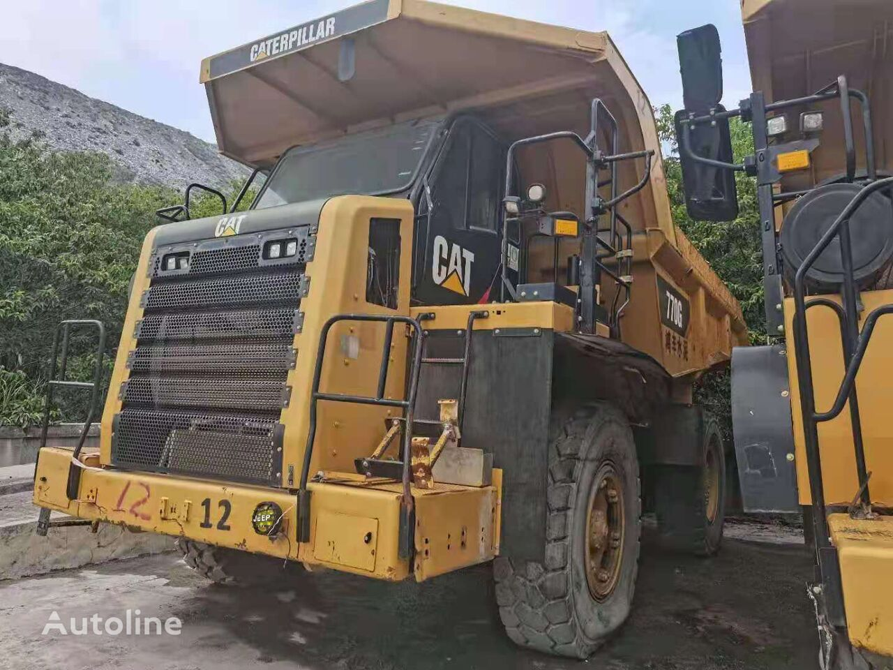 CATERPILLAR 770G dump truck