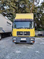 MAN 18-272 tilt truck